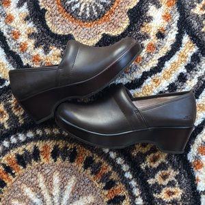 Jambu leather Clogs